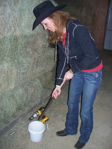 Emptying hay probe